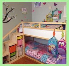 Ikea kura bed with added steps and extra safety bar on top bunk. Ikea kura bed with ad Kura Ikea, Kura Bed Hack, Ikea Loft Bed Hack, Toddler Bunk Beds, Kid Beds, Short Bunk Beds, Childrens Bunk Beds, Warm Bedroom, Bedroom Decor