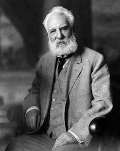 Alexander Graham Bell (1847 - 1922) - inventor. Como inventor do telefone , ajudou a humanidade facilitando as comunicações .