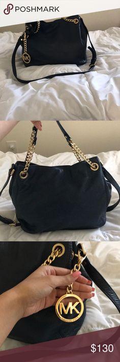 "Jet Set Large Leather Shoulder Bag 100% Leather  12.5""W X 11""H X 4.5""D Adjustable strap: 10.25"" -19.5"" Practically new Michael Kors Bags Shoulder Bags"
