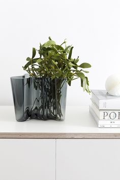 Aalto Vase in dark grey - via Coco Lapine Design