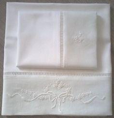 Resultado de imagen para lençois de bebe bordados a mão