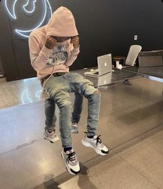 Dope Outfits For Guys, Swag Outfits Men, Trendy Outfits, Cool Outfits, Black Outfit Men, Rapper Outfits, Black Men Street Fashion, Men Fashion, Thug Style