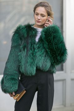 NYFW Street Style Day 7: What's more luxe than this? Source: Tim Regas.         I have it !!!!