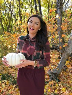 Fall preppy ladylike outfits for the current season