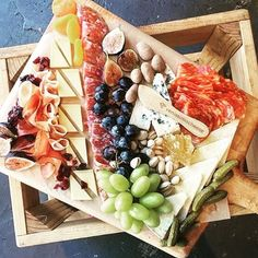 Dreaming of the @venissimo cheese board. Charcuterie is a must, especially on a Sunday! #downloadnow #app #luxury #lifestyle #cheese #charcuterie #sandiego