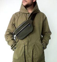 Items similar to NEW Men / Women / bumbag / waist bag / belt bag / hip bag / fanny pack on Etsy Outfit Man, Waist Purse, Womens Fashion Online, Latest Fashion For Women, Moda Outfits, Outfits Hombre, Leather Belt Bag, Inspiration Mode, Denim Bag