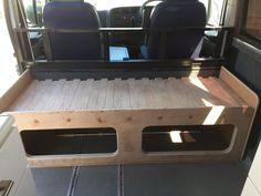 Camper van pull out bed Mercedes Camper Van, Vw T3 Camper, Kombi Motorhome, Diy Camper Trailer, Camper Beds, Vw T5, Day Van Conversion, Camper Van Conversion Diy, Campervan Bed