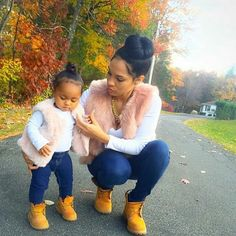 Pin by Angela Burgin Logan on Mommy and Me Fashion Mom Daughter Matching Outfits, Mommy And Me Outfits, Matching Family Outfits, Baby Girl Fashion, Toddler Fashion, Kids Fashion, Outfits Niños, Kids Outfits, Fall Outfits