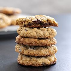 Thick and Chewy Classic Gluten Free Oatmeal Cookies Gluten Free Sweets, Gluten Free Cookies, Gluten Free Baking, Gluten Free Recipes, Paleo Sweets, Vegan Baking, Keto Recipes, Oatmeal Cookie Recipes, Oatmeal Chocolate Chip Cookies