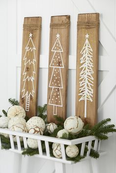 20 Gorgeous Farmhouse Christmas Crafts to Make This Holiday Use pine boards to add a touch of farmhouse charm to your Christmas decorations with these easy DIY farmhouse wooden signs. Handmade Christmas Crafts, Wooden Christmas Decorations, Christmas Signs Wood, Noel Christmas, Christmas Projects, Holiday Crafts, Holiday Decor, Holiday Signs, Christmas Makes To Sell