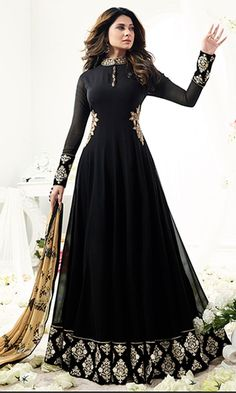 Anarkali Suits - Buy Indian Anarkali Suits with the latest designs and attractive offers online. Best collection of Partywear and festive wear Anarkali Dress for women. Abaya Noir, Mode Abaya, Mode Hijab, Black Anarkali, Anarkali Gown, Anarkali Suits, Black And Gold Lehenga, Designer Anarkali, Designer Gowns