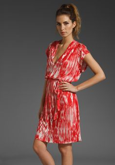 Great summer dress  Use Vogue 1224 and lengthen and change sleeves.