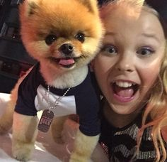 Jojo taking a selfie with Jiff at the Reality TV Awards!!! 14/5/15