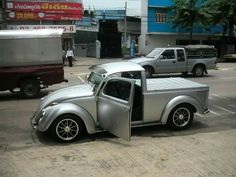 fusca pick up brasil Volkswagen Germany, Auto Volkswagen, Volkswagen New Beetle, Custom Trucks, Custom Cars, Cool Trucks, Cool Cars, Carros Vintage, Monster Car