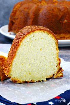 Lemon Cream Cheese Pound Cake Recipe is tender and moist. It's sweet and simple .Lemon Cream Cheese Pound Cake Recipe is tender and moist. It's sweet and simple with a buttery flavoring that melts in your mouth! Almond Pound Cakes, Pound Cake Recipes, Mini Cakes, Cupcake Cakes, Bundt Cakes, Cupcakes, Lemon Cream Cheese Pound Cake Recipe, Salty Cake, Savoury Cake