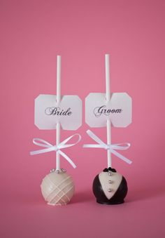 Bride/Groom wedding cake pops for the wedding party or rehersal dinner, but chocolate covered strawberries instead! Wedding Desserts, Wedding Favours, Wedding Gifts, Wedding Cake Pops, Wedding Cakes, Buffet Dessert, Our Wedding, Dream Wedding, Wedding Reception