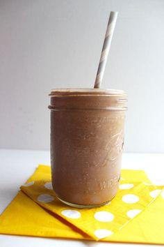 SKINNY CHOCOLATE SHAKE! Paleo/Dairy-Free/Sugar-Free/Delicious!