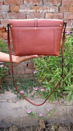 Gingerbread Big Stella, Chiaroscuro, India, Pure Leather, Handbag, Bag, Workshop Made, Leather, Bags, Handmade, Artisanal, Leather Work, Leather Workshop, Fashion, Women's Fashion, Women's Accessories, Accessories, Handcrafted, Made In India, Chiaroscuro Bags - 4