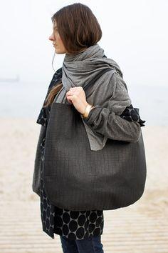 Nero sovradimensionato Leather Hobo Bag borsa Tote di PatkasBerlin