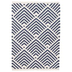 Both patios and bedrooms alike get a contemporary update with the Dash & Albert indoor/outdoor Cleo rug. Durable for any interior or space, this gorgeous floor covering captures attention with a bold graphic pattern. Blue and white hues combine to make a striking visual contrast. Sizes: 2ft W x 3ft L, 2.5ft W x 8ft L, 3ft W x 5ft L, 5ft W x 8ft L, 8ft W x 10ft L, 10ft W x 14ft L. 100% PET. Rug pad recommended. Due to the handmade quality, rugs may vary slightly in size and/or co...