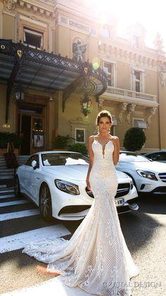 Crystal Design 2017 Bridal Sleeveless Spagetti Strap Deep Plunging V Neck Full Embellishment Elegant Y Fit And Flare Wedding Dress Low Back Chapel Train