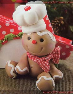 Can use salt clay dough. -Gumpaste (Clay) Gingerbread man Cake Decorating Tutorials (How To's) Tortas Paso a Paso Crea Fimo, Fimo Clay, Polymer Clay Projects, Polymer Clay Creations, Polymer Clay Tutorials, Gingerbread Decorations, Christmas Gingerbread, Christmas Crafts, Xmas