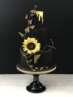 paleo mug cake Purple Wedding Cakes, Amazing Wedding Cakes, Amazing Cakes, Pretty Cakes, Cute Cakes, Beautiful Cakes, Wedding Cake Flavors, Wedding Desserts, Wedding Decorations