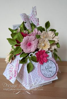 Tuesday Tutorial - Scalloped Pop Up Box