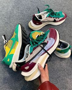 sacai x Nike Further Blend Modern And Retro With The Vaporwaffle 👀 Cop or Drop? Get the full details by clicking the link in my bio Nike Vapor, Paris Shows, Color Stories, Sport Fashion, Streetwear Fashion, Behind The Scenes, Street Wear, Product Launch, Pure Products