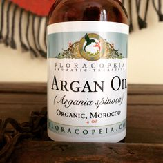 Direct from a Moroccan women's cooperative, this pure, lightweight, organic argan oil makes the perfect moisturizer for both skin and hair. Love Natural, Natural Hair Styles, Organic Argan Oil, Body Oils, Skin Problems, Face And Body, Healthy Skin, Morocco, Moisturizer