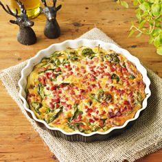 Ost- och skinkpaj med bladspenat - Recept - Tasteline.com Kebab Wrap, Quiche, Lchf, Low Carb Recipes, Bacon, Food And Drink, Vegetarian, Diet, Cooking