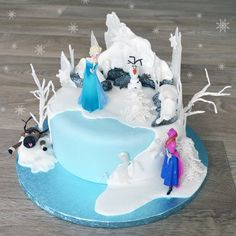 """<p><span style=""""font-size: small;"""">This Frozen celebration cake a little more advanced for those who just want to Let It Go! It also includes official Frozen cake toppers to add that extra bit of magic</span><span><br /></span></p>"""