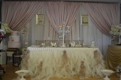 Pink and Ivory Head Table Decor  www.tradesensation.com