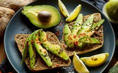 Avocado is a powerful superfood that contains numerous health benefits. Here are quick and delicious avocado recipes to try at home. Vegan Avocado Recipes, High Protein Vegan Recipes, High Protein Snacks, Healthy Recipes, High Protein Vegan Breakfast, Vegan Breakfast Recipes, Free Breakfast, Breakfast Ideas, Hangover Food