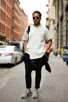 White shirt sunglasses jeans sneakers streetstyle fashion men tumblr beard bag backpack. menswear, men's fashion and style