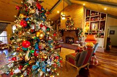 Christmas decorations and personalized ornaments and christmas trees and christmas lights and department 56 lighted houses and old world glass ornaments and and much. Description from decorationwallideas.com. I searched for this on bing.com/images