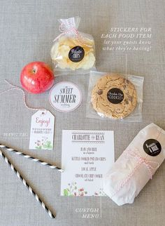 How to build a boxed lunch for a picnic or BBQ wedding! Snippet & Ink