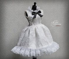Gorgeous silk dress made from white and champagne taffeta, decorated with delicious antique laces, ribbons and tulle. This special outfit is for a special girl only!!! Fits pure neemo S body, takara/licca body, Pullip stock body, jerryberry, imda 2.6, etc... Dress only, other items in