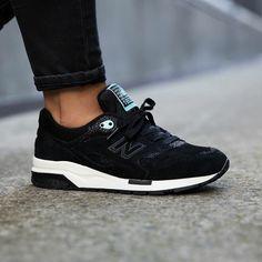 new balance 1600 all black