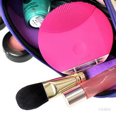 We love our Foreo Luna Mini for deeply cleansing our skin when traveling! #foreo #cleansing #beautytools