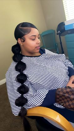 # Braids ponytail baddie 𝐏𝐈𝐍𝐓𝐄𝐑𝐄𝐒𝐓: 𝐓𝐫𝐨𝐩𝐢𝐜_𝐌 🌺 Hair Ponytail Styles, Slicked Back Ponytail, Slick Ponytail, Weave Ponytail Hairstyles, Baddie Hairstyles, Curly Hair Styles, Natural Hair Styles, Prom Hairstyles, Braided Ponytail Weave
