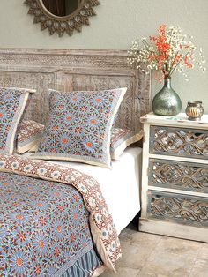 35 Latest Moroccan Bedroom Design Ideas With Modern Patterns To Have - The bedroom is your private space in the house and it is the place to relax. Unfortunately, most people use the bedroom to just sleep. A bedroom if pr. Moroccan Decor Living Room, Moroccan Room, Moroccan Home Decor, Moroccan Interiors, Moroccan Design, Living Room Decor, Moroccan Tiles, Moroccan Lanterns, Moroccan Print