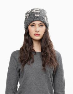 02 freak out beanie lipstick red shacklewell grey