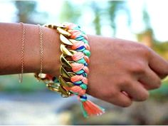 Come creare i braccialetti più glam dell'estate