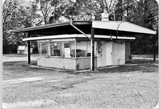Burger Delight on Airline Hwy., Gonzales, Louisiana Opened in 1971 by Millard and Gloria Harris. Gonzales Louisiana, Ascension Parish, Old Images, History, House Styles, Vintage, Historia, Vintage Comics