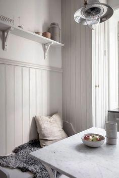 Modern Shaker Kitchen, Swedish Kitchen, Beige Kitchen, Scandinavian Kitchen, Nordic Kitchen, Scandinavian Interiors, Kitchen Small, Small Furniture, White Furniture