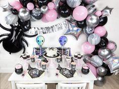 pink and black halloween backdrop Mickey Halloween Party, Pink Halloween, Halloween Celebration, Halloween Birthday, Halloween Party Decor, Halloween Kids, 1st Birthday Girl Decorations, Balloon Decorations Party, 1st Birthday Girls