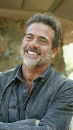 Creating a new format of self-expression and demonstrations of love for favorite characters, celebrities, brands, and fictional universes. Jeffrey Dean Morgan, Sam Dean, John Winchester, Team Negan, Stars D'hollywood, Hilarie Burton, Seattle, Washington, Dream Guy