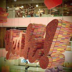 Art wiht recycled straw.   El arte y la ecología hacen un buen equipo (© SCOTT JARVIE)