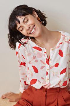 Blouse tijum mekiro - blouse coton - des petits hauts 1 Source by outfits primavera Winter Fashion Outfits, Modest Fashion, Casual Outfits, Mode Simple, Fashion Sewing, Elegant Outfit, Latest Fashion Trends, Blouses For Women, Vintage Outfits